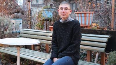 Die 29-jährige Anna Stern schreibt nicht nur Bücher, sondern doktoriert auch an der ETH Zürich. (Bild: Lisa Wickart)