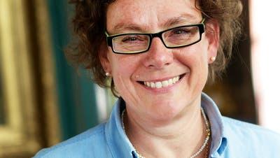 Französische Botschafterin verleiht Christina Egli vom Napoleonmuseumden Verdienstorden