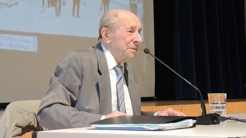 Bronislaw Erlich (96) berichtet von seinem Schicksal. Hier an der Kantonsschule Alpenquai in Luzern. (Bild: Benno Bühlmann, 21. Januar 2019)