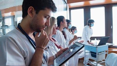 FHS-Studie zur Digitalisierung: Skepsis im Gesundheits- und Sozialwesen