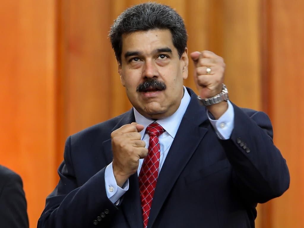 Venezuelas Staatschef Nicolás Maduro gibt sich am Freitag kämpferisch. (Bild: KEYSTONE/EPA EFE/CRISTIAN HERNANDEZ)