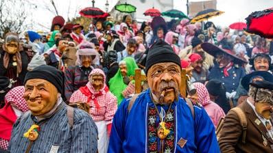 Urchige Masken sind am Samstag am «Chrienser Böögge-Triibe» zu sehen.(Bild: Manuela Jans-Koch, 26. Januar 2019)