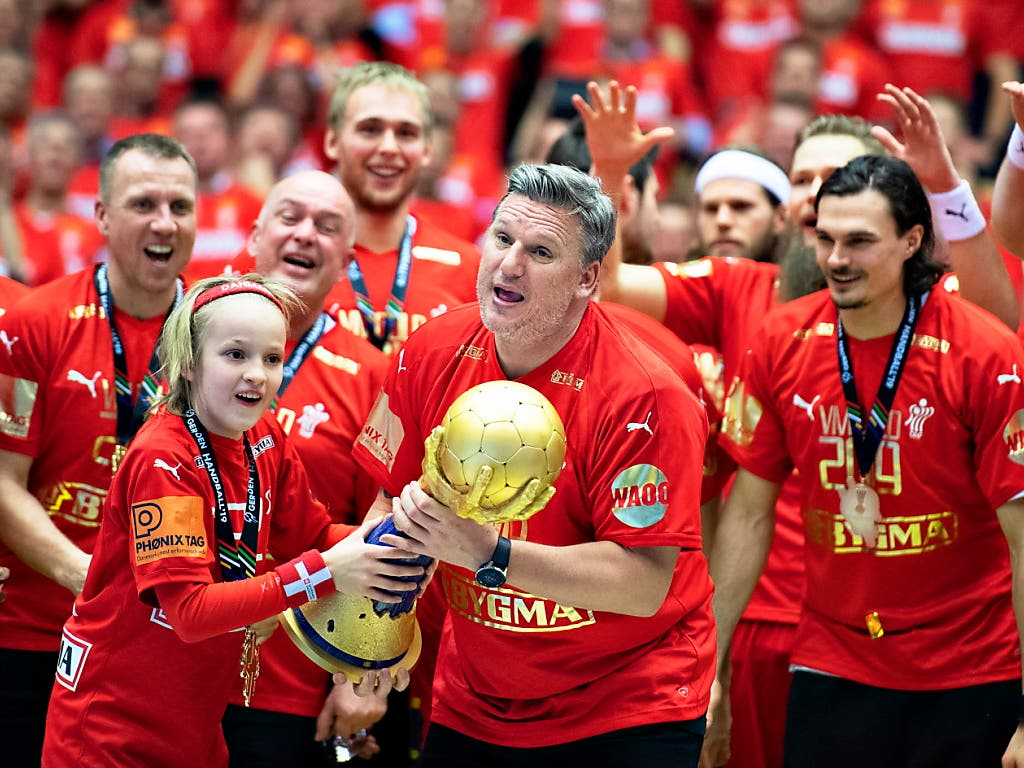 Trainer Nikolaj Jacobsen führte Dänemark zum ersten WM-Titel der Geschichte (Bild: KEYSTONE/EPA RITZAU SCANPIX/HENNING BAGGER)