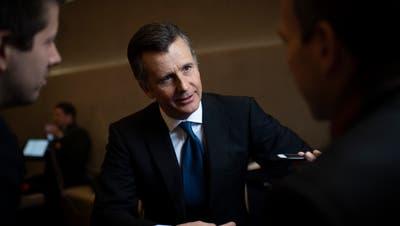 Philipp Hildebrand ermutigt die Schweizer Banken, sich «auf die eigenen Stärken zu konzentrieren».Bild: Gian Ehrenzeller/Keystone (Davos, 24. Januar 2019)