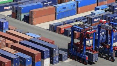 Schweizer Exporte sinken im Dezember - Neuer Rekord im Gesamtjahr