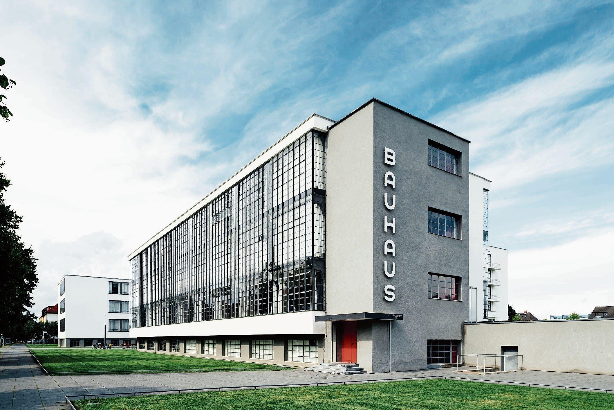 Bauhaus Dessau: Schlüsselwerk der modernen Architektur, 1926 von Gropius erbaut. (Bild: T. Franzen)