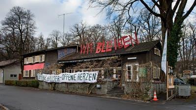 Besetztes Haus am Murmattweg in Luzern.  Bild: Corinne Glanzmann (Luzern, 02. Januar 2019)
