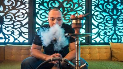 Der 24-jährige Armin Adrovic hat vor eineinhalb Jahren die Shisha-Bar Dreams eröffnet. (Bild: Hanspeter Schiess)