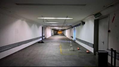 In diesem ungenutzten Teil des Posttunnels unterhalb des Bahnhofs Luzern sollen neue Velo-Abstellplätze entstehen. Gleichzeitig entsteht hier eine neue Verbindung zwischen Neustadt und Uni. (Bild: PD)
