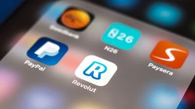 Revolut ist eine Smartphone-Bank, die in der Schweiz bereits Kunden hat. N26 will dieses Jahr hierzulande Fuss fassen. (Bild: Alarmy)
