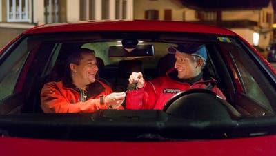 Nicht mehr fahrtüchtige Personen konnten sich von freiwilligen Fahrern von Nez Rouge in ihrem eigenen Auto heimchauffieren lassen. Bild: PD