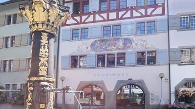 Das Stadthaus Zug am Kolinplatz wird im Eigentum der Stadt Zug verbleiben. (Bild: Daniel Frischherz (15. Mai 2017))