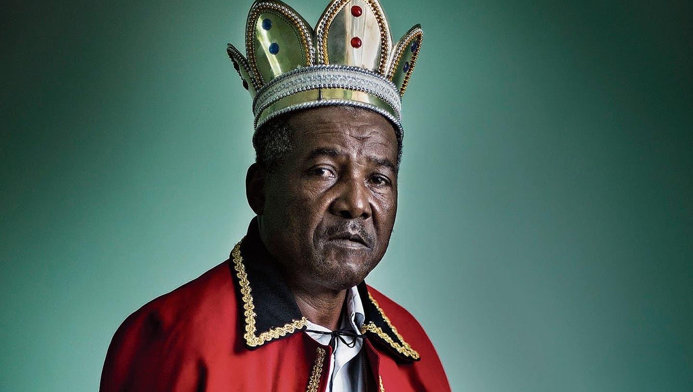 König Julio der Erste auf seinem offiziellen Königsfoto. Bild: Susana Girón