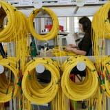 Kabelherstellung von Huber + Suhner in Herisau. (Bild: Ralph Ribi)