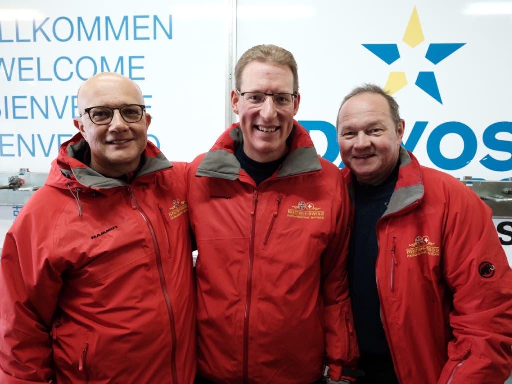 Die Sieger des Parlamentarier-Skirennens sind: Nicolo Paganini, Adrian Wüthrich und Jürg Stahl. (Bild: Marcel Giger, @snow-world.ch)