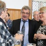 Sein letzter Neujahrsapéro als Gemeindepräsident geniesst Erich Baumann mit seiner Gattin. (Bild: Barbara Hettich)