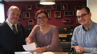 Die CVP lanciert den Wahlkampf: Nationalrat Christian Lohr, Bezirkspräsidentin Sandra Stalder und Ortspräsident Stephan Marty. (Bild: Urs Brüschweiler)