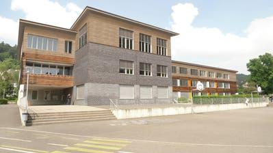 So soll der aufgestockte Spezialtrakt A des Schulhauses Würzenbach aussehen. (Visualisierung: Auf der Maur & Böschenstein Architekten ETH/HTL)