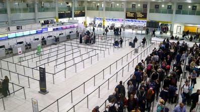 Nach illegalen Drohnenflügen am Flughafen Gatwick: Polizei soll mehr Befugnisse bekommen