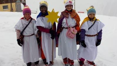Im Gebiet Riedlig-Ratziwaren die Sternsinger mit den  Skiern unterwegs. (Bild: Franz Imholz)