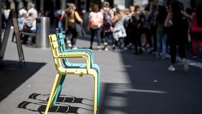 Die farbigen Stühle der City-Vereinigung sollen bleiben