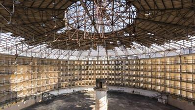 Sinnbild für den Überwachungsstaat: Gefängnis erbaut in den 20er-Jahren auf Kuba. Der Wärter hatte vom Turm auf Einblick in alle geöffneten Zellen - jederzeit.