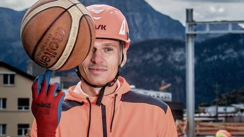 Handwerker und Basketballer: Laurynas Samenasvon Swiss Central ist ein harter Arbeiter