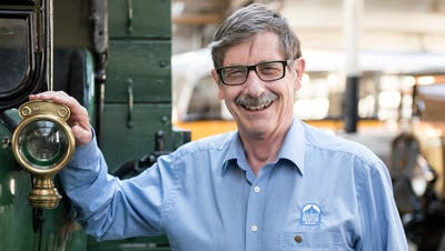 Ruedi Baer, Chef des Saurer-Museums, hat allen Grund zum Lachen. (Bild: Mareycke Frehner)