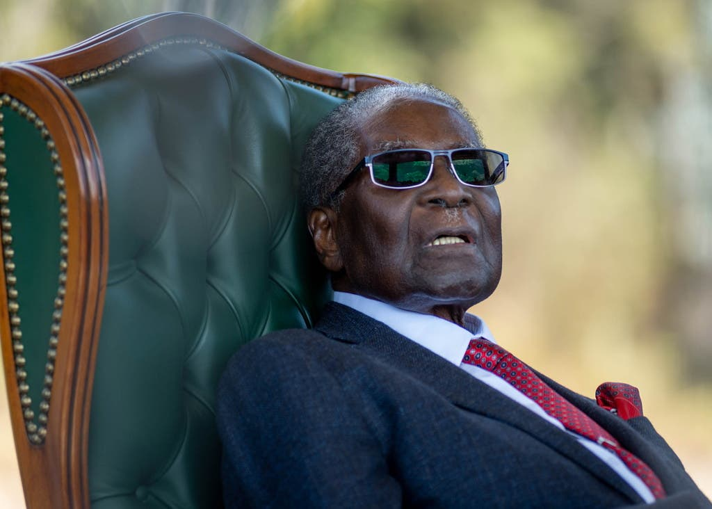 6. September: Der ehemalige Machthaber von Simbabwe, Robert Gabriel Mugabe, ist im Alter von 95 Jahren gestorben. Er amtete von 1987 bis 2017 als Präsident des afrikanischen Staats. (Bild: Keystone)