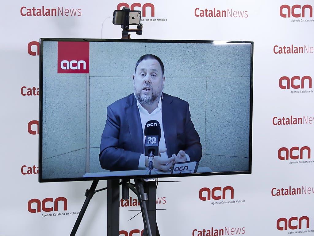 Oriol Junqueras, der frühere stellvertretende katalanische Regionalpräsident, wurde als Hauptangeklagter zu 13 Jahren Haft verurteilt. (Bild: KEYSTONE/EPA EFE/ANDREU DALMAU)