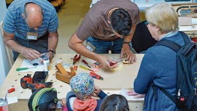 Das erste Hinterthurgauer Repair Café eröffnete am 21. September im Aadorfer Gemeinde- und Kulturzentrum. (Bild: Donato Caspari)