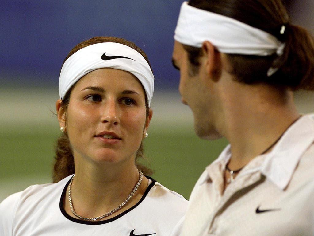 Schöne Erinnerungen: An den Olympischen Spielen 2000 in Sydney lernte Roger Federer seine spätere Frau Mirka Vavrinec kennen und lieben. Am Hopman Cup 2001 spielten die beiden sogar Mixed (Bild: KEYSTONE/EPA/GREG WOOD)