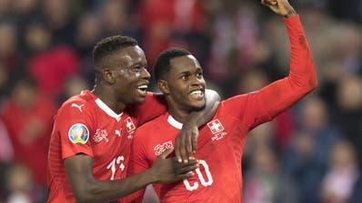 Weiter im Rennen: Die Schweiz bezwingt Irland mit 2:0 und erledigt damit die Pflicht