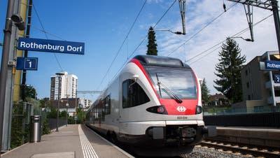 Der Bahnhof Rothenburg Dorf wird nach Ansicht der Petitionäre benachteiligt. (Bild: Eveline Beerkircher, 28. August 2019)