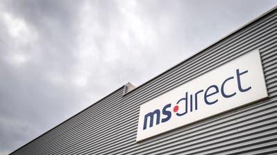 Ein Angestellter von MS Direct bearbeitet an der Textilstrasse durchschnittlich elf Pakete pro Stunde. (Bild: Reto Martin)
