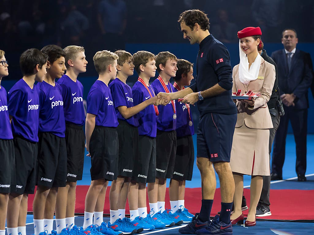 Roger Federer 2018 nach seinem Turniersieg bei den Swiss Indoors (Bild: KEYSTONE/GEORGIOS KEFALAS)