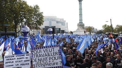 Tausende Polizisten an gewerkschaftlichem «Wutmarsch» in Paris