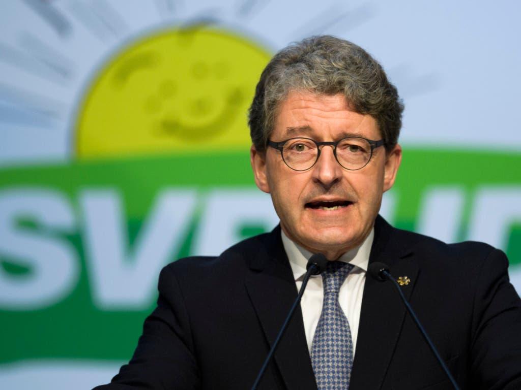 In Graubünden muss SVP-Kantonalpräsident Heinz Brand um seine Wiederwahl bangen. (Bild: KEYSTONE/GIAN EHRENZELLER)