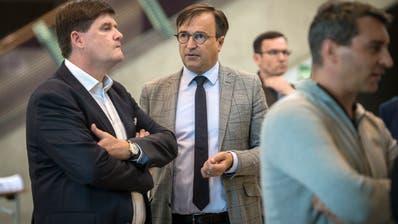 Enttäuschung pur: Der abgewählte freisinnige Nationalrat Hansjörg Brunner (links) und FDP-Kantonalpräsident David H. Bon. (Bild: Reto Martin)