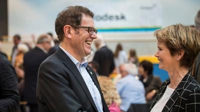 Jakob Stark und Brigitte Häberli freuen sich über ihre erfolgreiche Wahl. (Bild: Reto Martin)