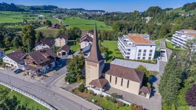 Die evangelische Kirche in Lütisburg liesse sich am ehesten umnutzen oder verkaufen. (Bild: PD)