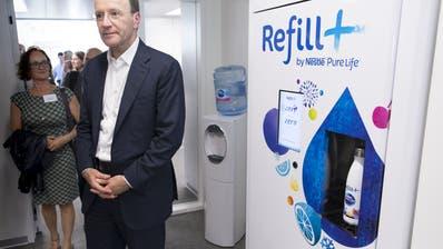 Nestlé-Chef Mark Schneider will mit Wasser-Automaten expandieren. (KEYSTONE,LAURENT GILLIERON)