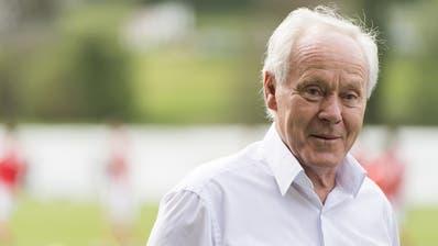 Der 76-jährige Köbi Kuhn leidet unter Lungenproblemen. (Bild: Keystone)