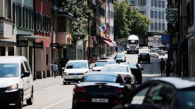 Besonders die Zahl derAllradfahrzeuge ist im Kanton Zug in den vergangenen Jahren stark angestiegen.(Bild: Stefan Kaiser, Zug, 24. Juli 2018)