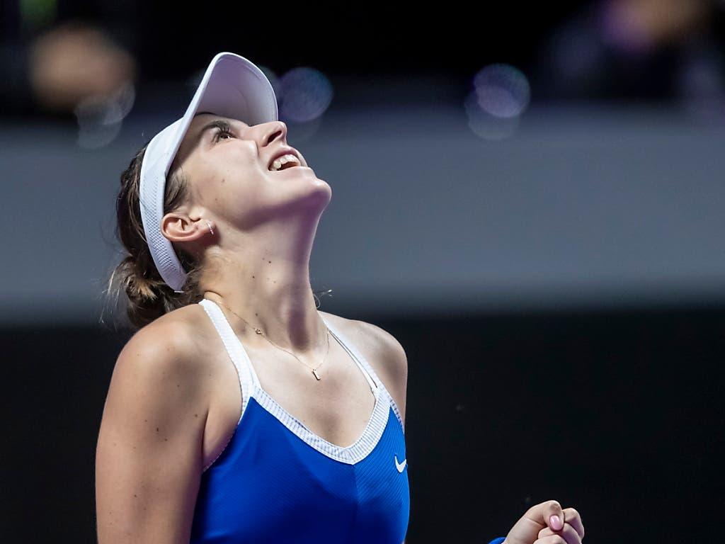 Belinda Bencic durfte sich über ihren ersten Sieg und 305'000 Dollar Preisgeld freuen (Bild: KEYSTONE/EPA/ALEX PLAVEVSKI)