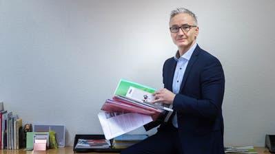 Ein Grossteil der Investitionen fliesst 2020 in Strassensanierungen. Auch für die Grüntalstrasse gibt es Pläne.Bild: Ralph Ribi (25.Juni 2019)