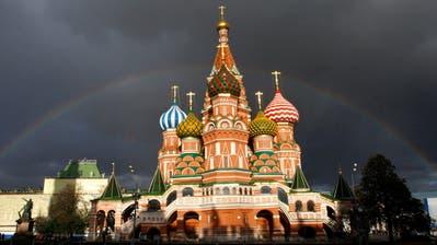 Betrugsfall in Moskau: Jetzt äussert sich der ehemalige Botschafter zur aufgeflogenen Mitarbeiterin