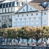 Blick auf die Nordfassade des Luzerner Theaters. (Bild: Nadia Schärli, 1. Oktober 2019)