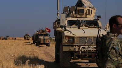 Nach Drohung mit Offensive in Nordsyrien: Türkei bewegt Waffen