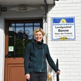 Die SVP-Politikerin Esther Friedli ist Gastronomin im «Haus der Freiheit» in Ebnat-Kappel. (Bild: Ruben Schönenberger)